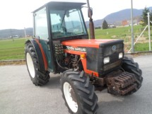 Traktor NEW HOLLAND 72 86